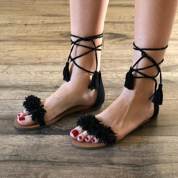 3d42034f2e6f Steve Madden lace up black fringe sandals. M 5a56957385e6058c1b000b65